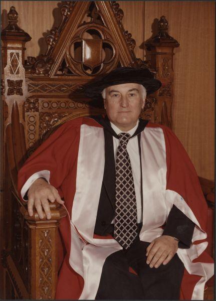 Sydney Sunderland, 20 December 1975, University of Melbourne Photographs, 1994.0025.00082 UDS2014020-1319.jpg