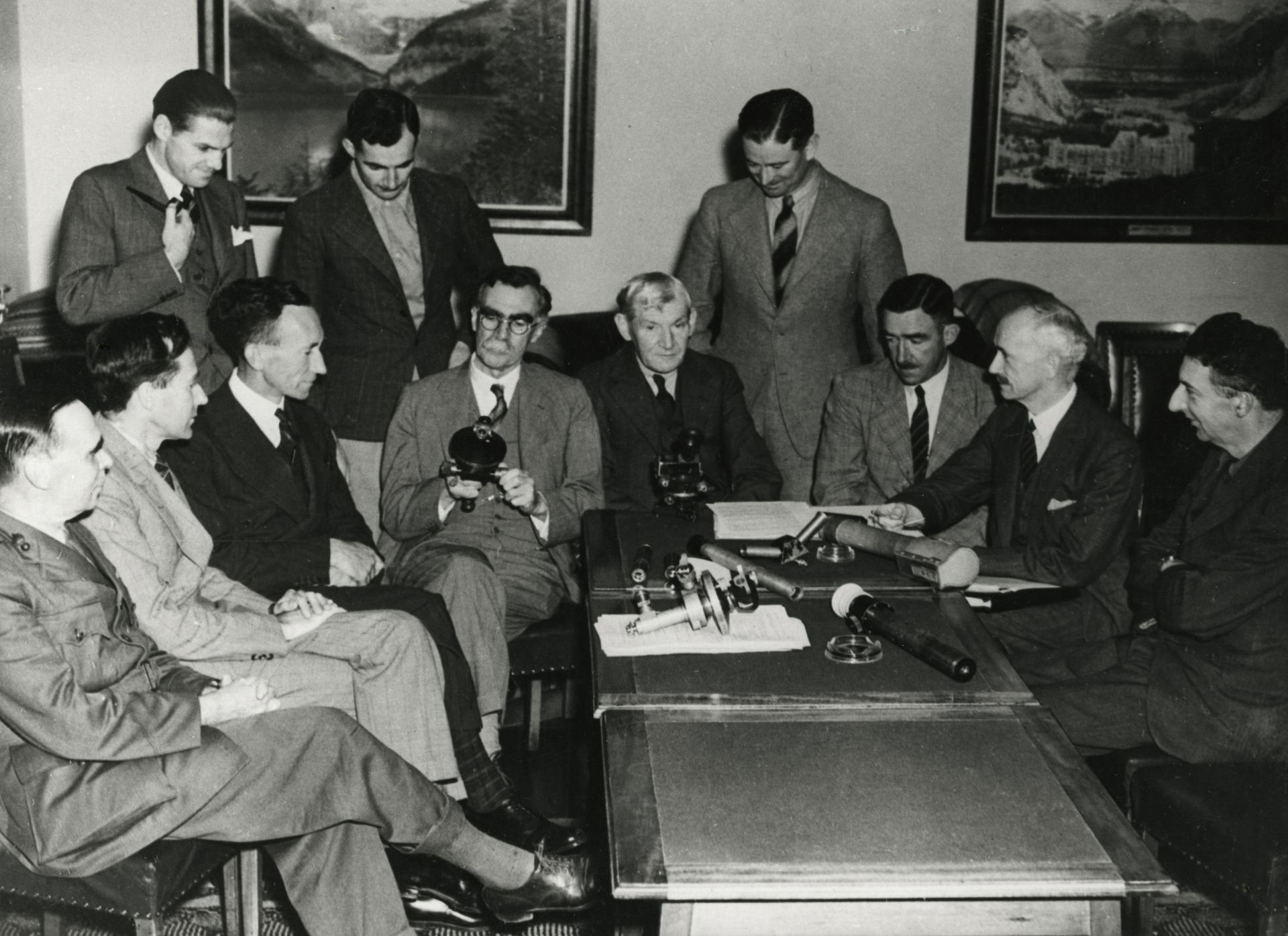 Dr J.S. Rogers (3rd from right), member of the Optical Munitions Panel
