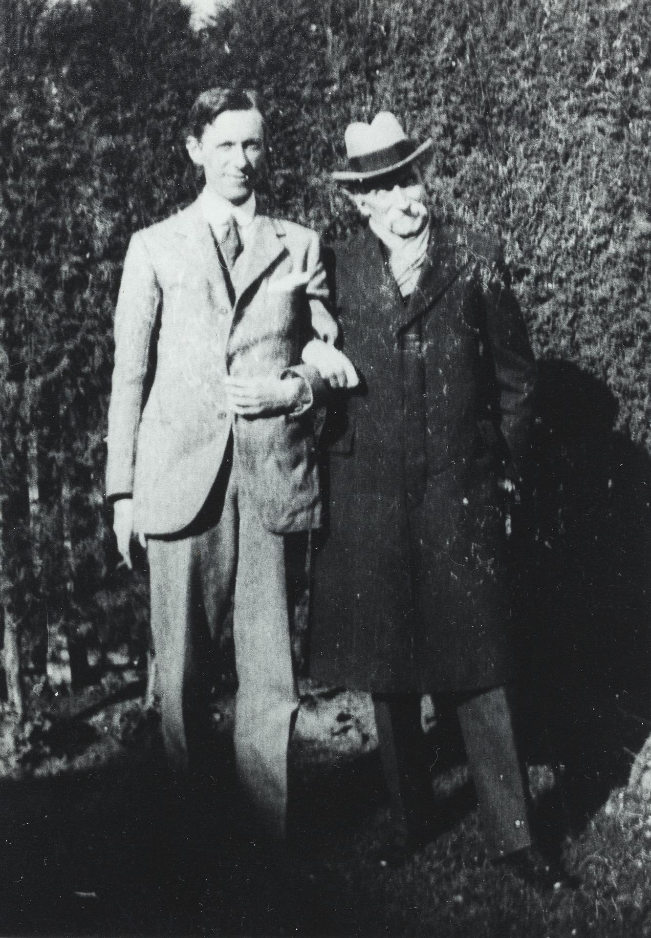 Alexander L. Leeper (right)