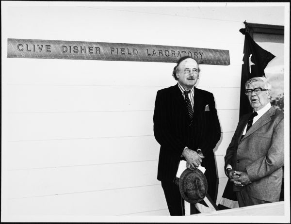Sir Edward Dunlop and Roy Douglas Wright at Clive Disher Field Laboratory, University of Melbourne, Media and Publication Services Office Collection, 2003.0003.00487
